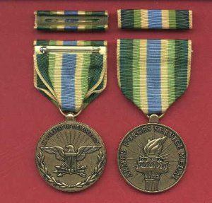 navy armed forces expeditionary medal | Armed Forces Service medal in case with ribbon bar and lapel pin