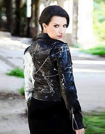 Laura Pausini  #simili