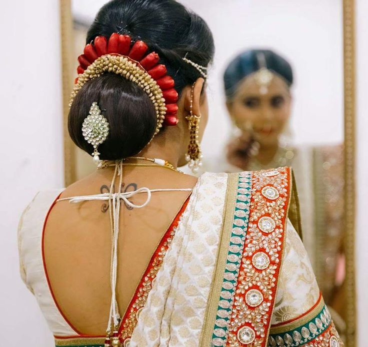 Pin By Princess Purple On Bride Kondai Indian Bridal Hairstyles Low Bun Wedding Hair Indian Wedding Hairstyles
