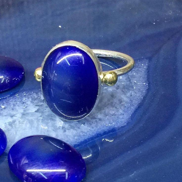 Doğal mavi agat taşlı el işi gümüş yüzük (60 TL) #doğaltaş #naturalstone #agat #akik #mavi #blue #blueagat #elişi #handmade #gümüş #silver #yüzük #ring #zanaat #sanat #art #withlove #takı #tasarım http://turkrazzi.com/ipost/1518715142379257501/?code=BUTj2Aghb6d