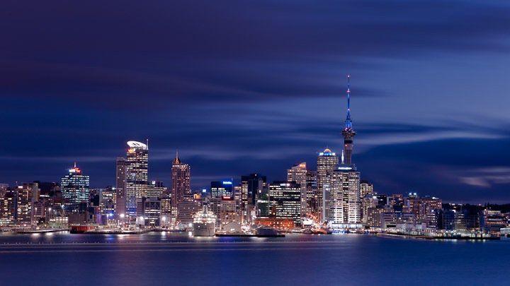 Auckland www.mikehollman.com