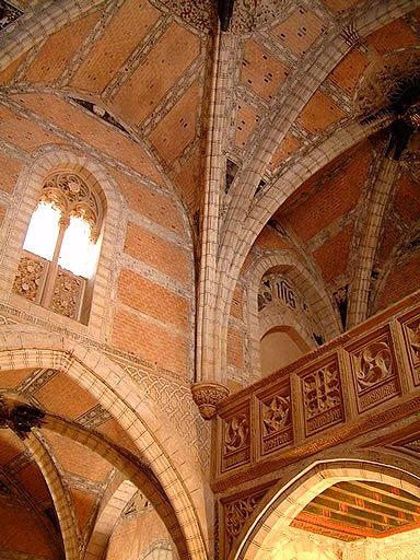 Interior de la iglesia de Cervera de la Cañada, arte mudejar en Zaragoza