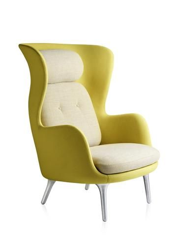 Republic of Fritz Hansen™, poltrona Ro™, design Jaime Hayon; disponibile in nove colori.