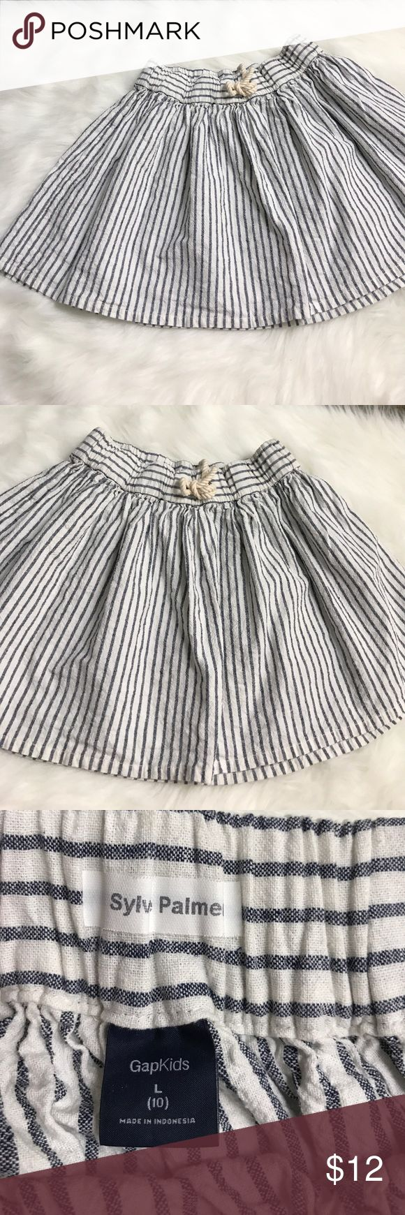 Gap Kids Size 10 Nautical Denim Striped Skirt Gap Kids Brand - Girls Size 10 Navy Blue/White Striped Skirt - excellent condition - FAST SHIPPING! Smoke/pet free home GAP Bottoms Skirts