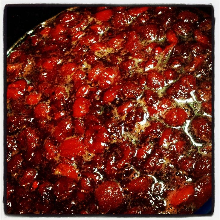Home made strawberry jam.....mmmmm, unbelievably easy to make..