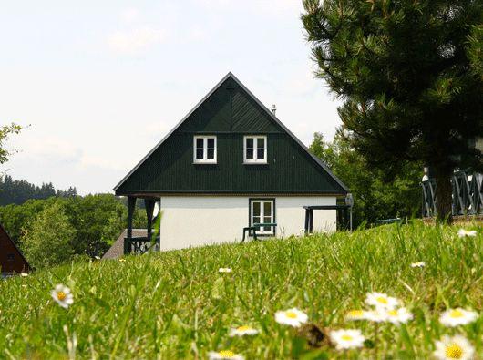 Drie luxe ingerichte, vrijstaande 6-persoons vakantiewoningen te koop in het Reuzengebergte, Tsjechie.