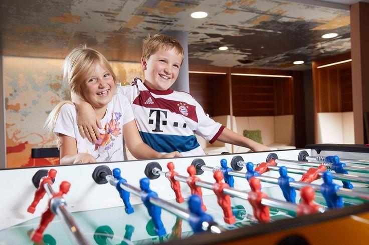 Neue Freunde finden beim Familienurlaub im Hotel Feldhof