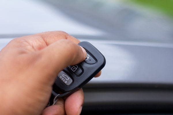 How to Program Keyless Entry Remotes in a Hyundai Sonata   eHow