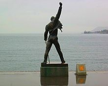 Statue of Freddie Mercury overlooking Lake Geneva in Montreux, Switzerland...EPIC<3