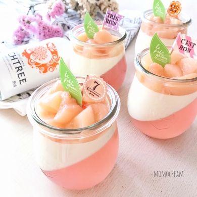 クリームチーズムースが固まったら、桃コンポートを乗せます。桃をくし形にカットして、さらに3つにカットしています☆お好きな形でどうぞ♡