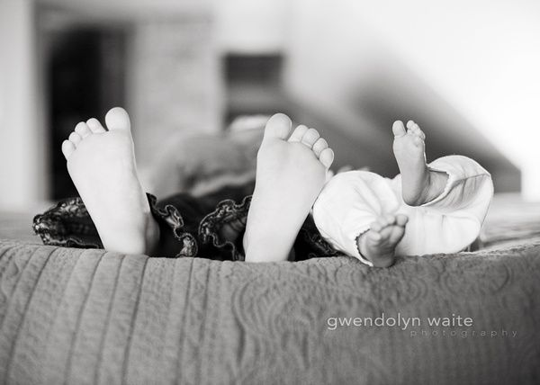 newborn and sibling | Gwendolyn Waite Photography