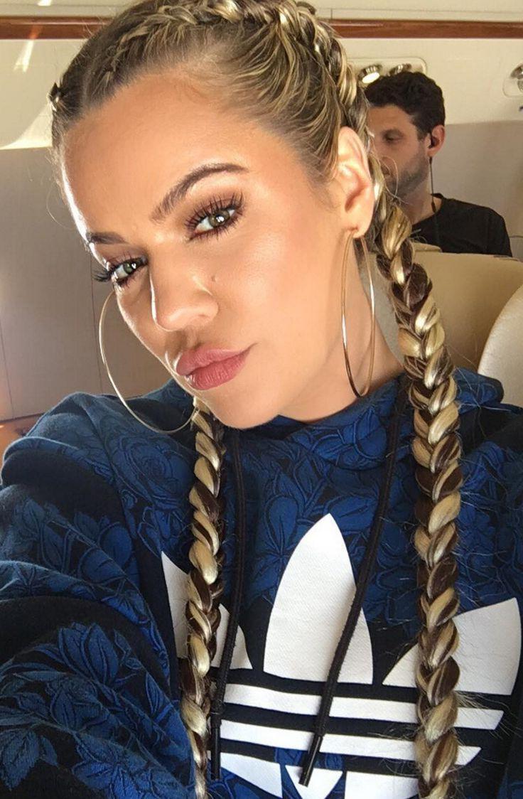 Who made Khloe Kardashian's blue print sweatshirt? | Khloe ...