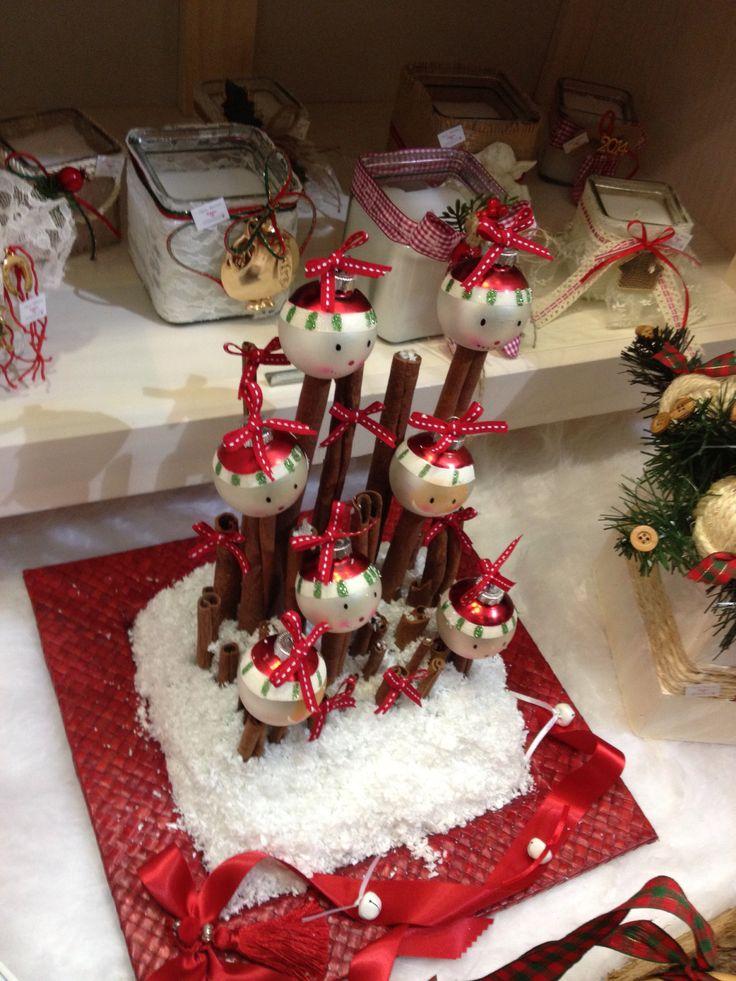 Σύνθεση με κανέλες & χριστουγεννιάτικες μπάλες για το χριστουγεννιάτικο τραπέζι! Handmade by Nikolas Ker (www.nikolas-ker.gr)