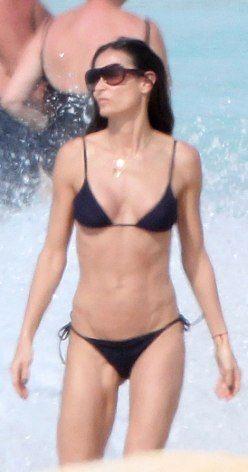 Demi moore bikini nude