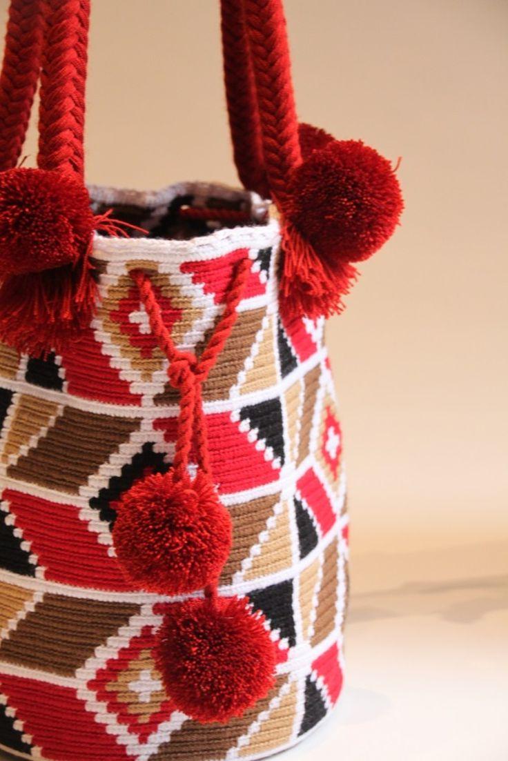Portic : Sac Wayuu - pompons rouges - rouge - 115,00 $