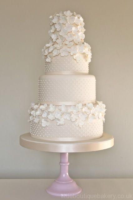 Wedding Cake Gallery with Enchanting Designs. http://www.modwedding.com/2014/03/08/wedding-cake-gallery-with-enchanting-designs #wedding #weddings #cake #reception