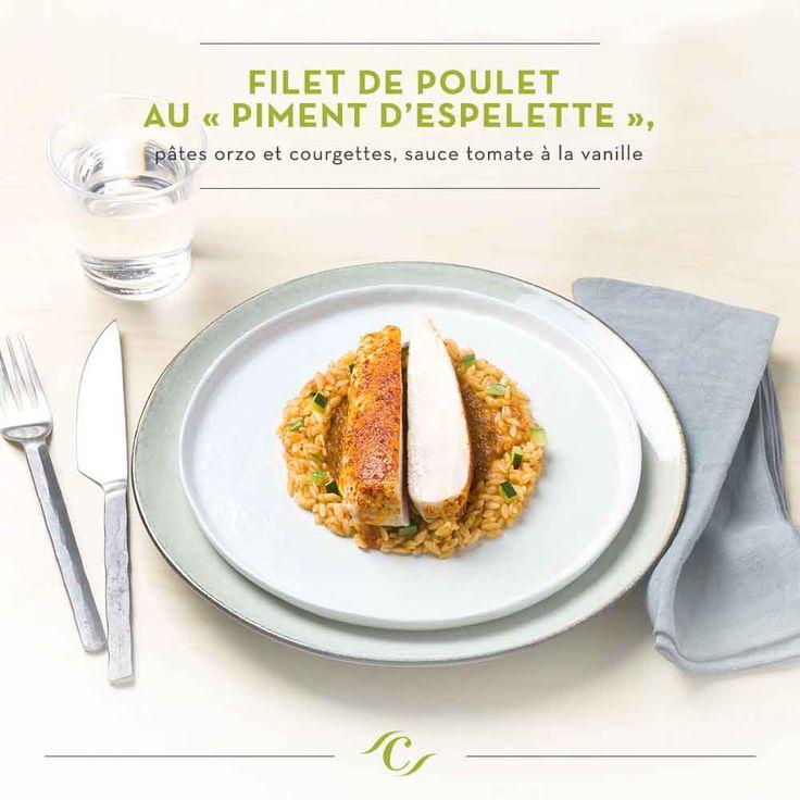 """[Carte Enchantement Quotidien ]  Filet de poulet au """"Piment d'Espelette"""", pâtes orzo et courgettes, sauce tomate à la vanille #ChefCuisine #MonChefCuisine #gastronomiealamaison #gastronomie #AnneSophiePic #food #cordonbleu #french #chef #foodie"""