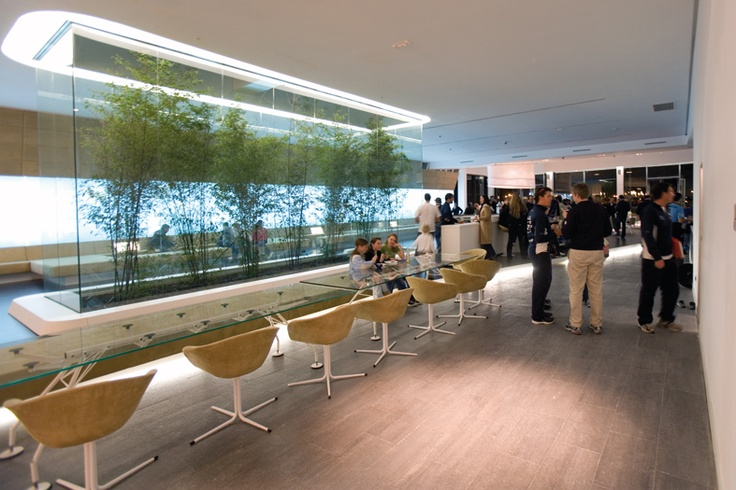 Proyecto Hoteles, mesa modelo Nomos de Norman Foster. Mobiliario de diseño para oficinas, restauración, hoteles y contract. (Espacio Aretha agente exclusivo para España)
