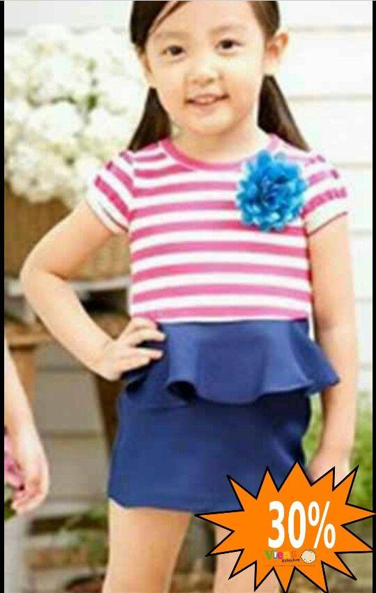 Dress Stripe Blue Pink Dress yg cantik dengan model ya g sangat up to date. Berbahan kaos dengan detail bunga.  Size: 5y  IDR 62.000  SALE 30%  *harga yg tertera blm termasuk diskon  Order 24 Jam, Rekap Cepat, Tanpa Antri, Stock Update, Klik! www.viensbabyshop.com Atau Hubungi Customers Service Kami; SMS/WA : 082120151384 PIN BB : CS 1 : 7F88DBB8 LINE ID : viensbabyshop  #viensbabyshop #babyshopmurah #babyshopbandung #tokoperlengkapanbayi #grosirperlengkapanbayi…