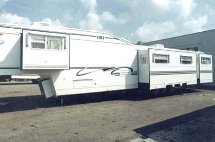 5th Wheel Trailers...... ummm 48'?