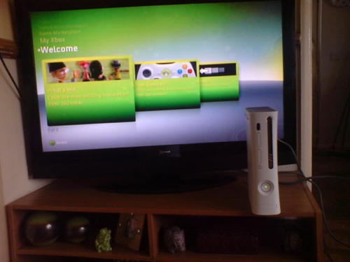 working but untested xbox 360 see picture read add  Item condition:	For parts or not working  Time left:	28m 28s (23 Apr, 201218:08:29 BST)  Current bid:	£7.00	  [ 13 bids ]  	  	  Place bidPlace bid  	(Enter £7.50 or more)  	  	  Add to Watch list  	  Postage:	Collection in Person    |  See all delivery details  	  Item location: normanton/wakefield, West Yorkshire, United Kingdom  	  Post to: United Kingdom  Payments:	  PayPal | See payment information  Returns: