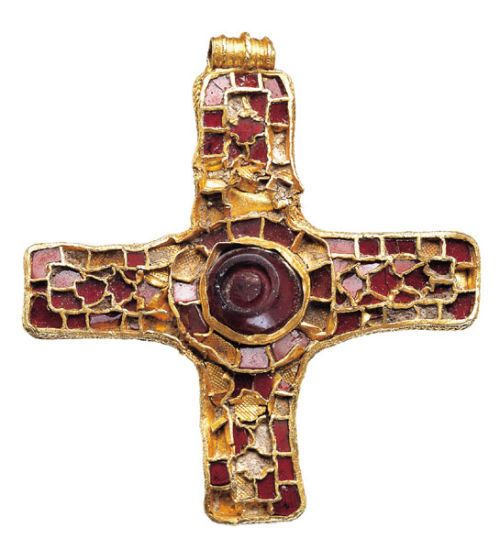 An Anglo-Saxon gold and garnet pectoral cross