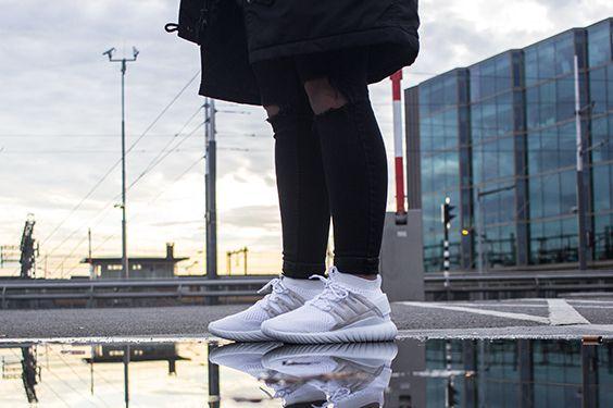 ADIDAS TUBULAR NOVA PK S80106 ,this sneaker is now available at www.frontrunner.nl
