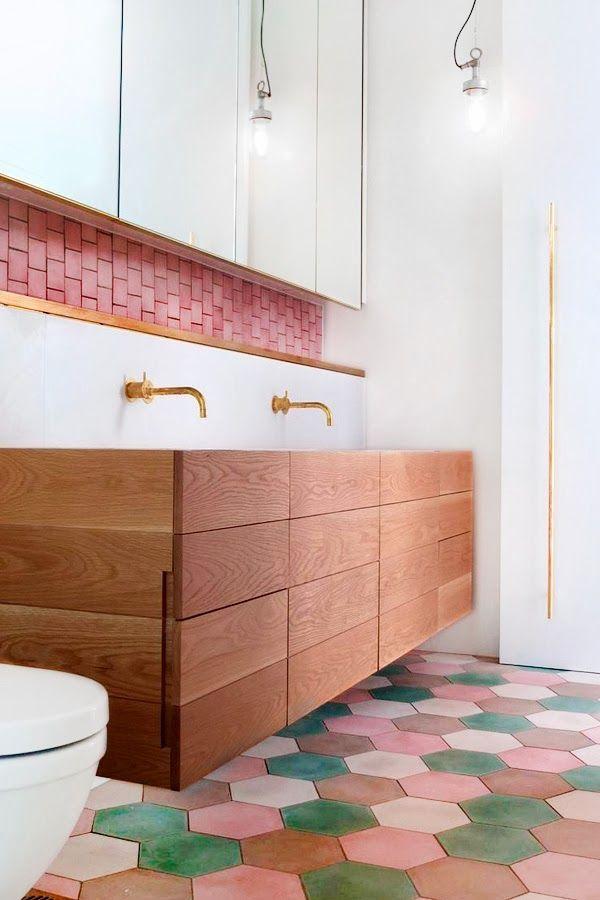 #carrelage #mosaïque #hexagone #rose #bathroom #salledebains