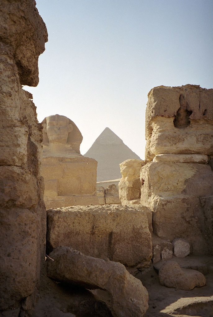 https://flic.kr/p/2A1Pd | Egypt - Giza - 19-29 | View of the Sphinx and great pyramid. This was as close as I got: the big cat was fenced off.
