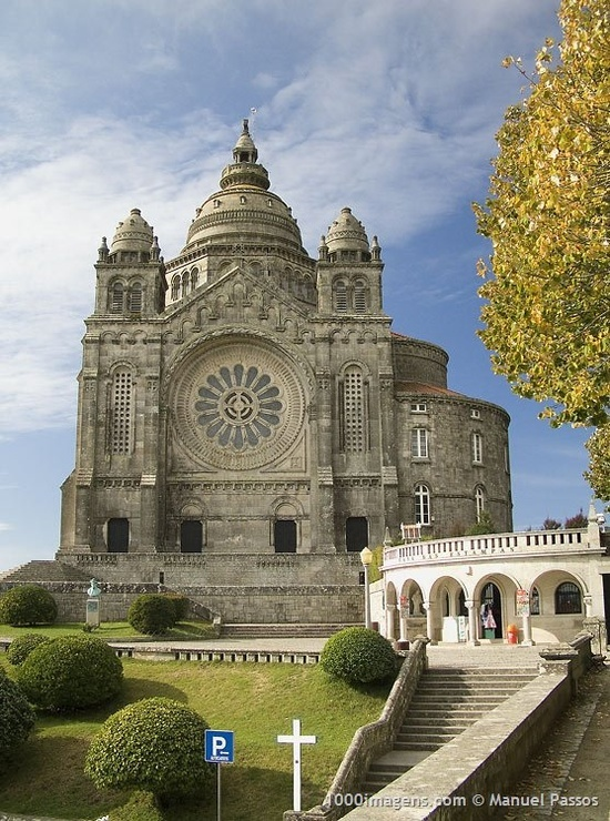 Basilica of Santa Luzia, Viana do Castelo, Portugal. Constructed in 1903, it was inspired by the Sacré Coeur de Montmartre in Paris.