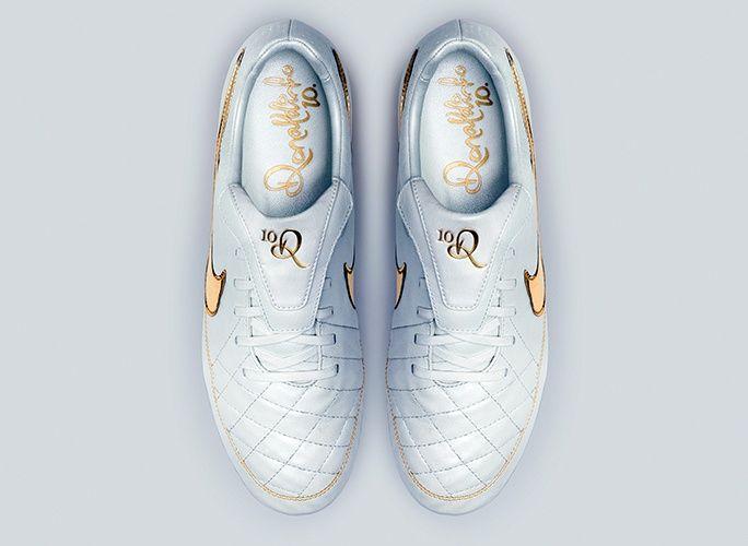 Los nuevos y espectaculares botines Nike de Ronaldinho