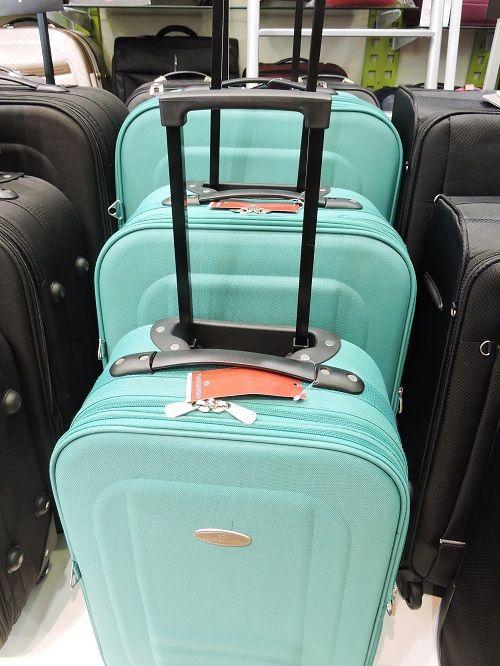 Vai viajar para a Lua de Mel? Aqui na La Postiche do Shop Sâo José você encontra as mais variadas malas para sua viagem. – PISO L1
