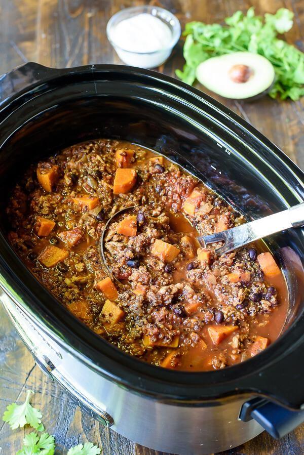 Mijoteuse avec recette de chili à la dinde, à la patate douce et au quinoa