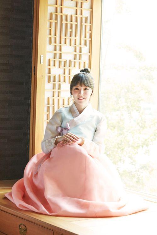 Wendy in Hanbok ~ Red velvet