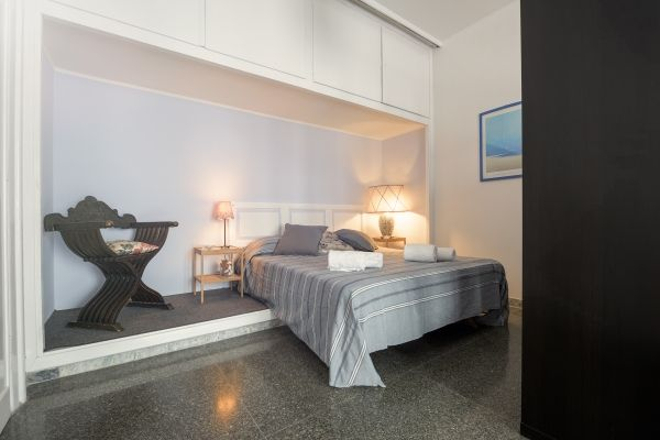 Rome, Italy Vacation Rental, 2 bed, 1 bath, kitchen with WIFI in Prati. Thousands of photos and unbiased customer reviews, Enjoy a great Rome apartment rental perfect for your next holiday. Book online!