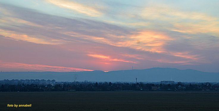 Ó-Év naplementéje
