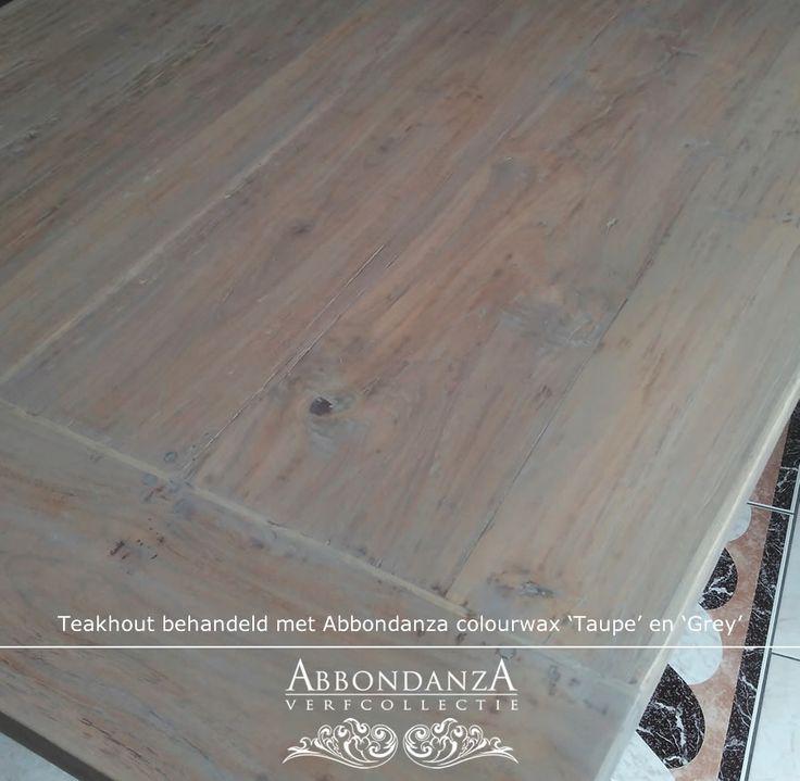Deze teakhouten tafel kreeg een greywash met Abbondanza colourwax in Taupe en Grey
