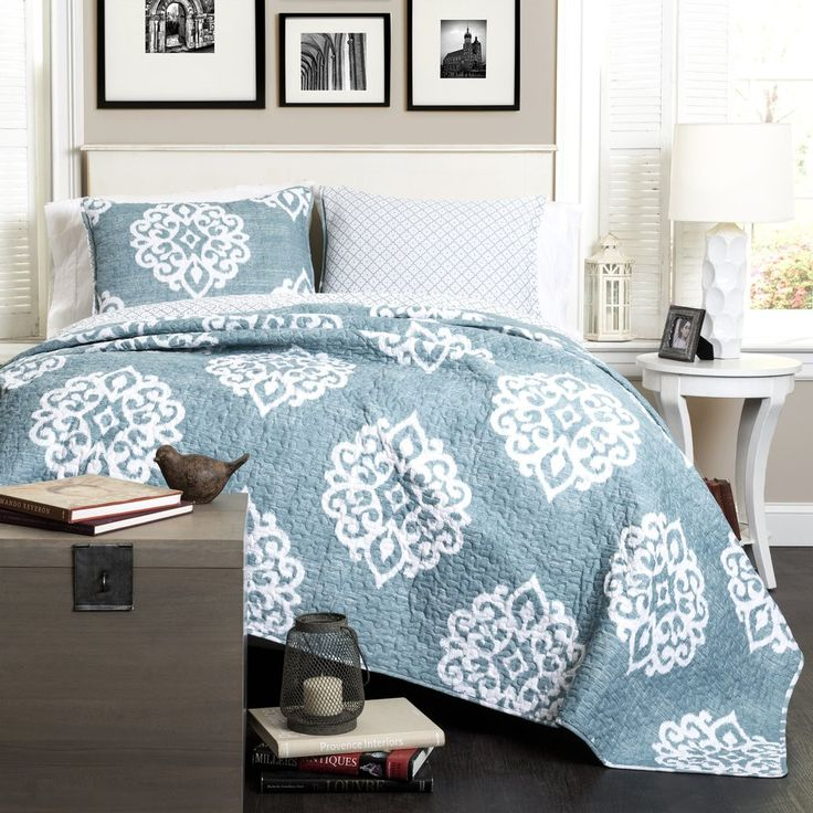 Classic yet modern, this quilt will brighten up any space. The Damask pattern adds the perfect touch without throwing off the balance of the room. This reversible quilt features a complementary patter