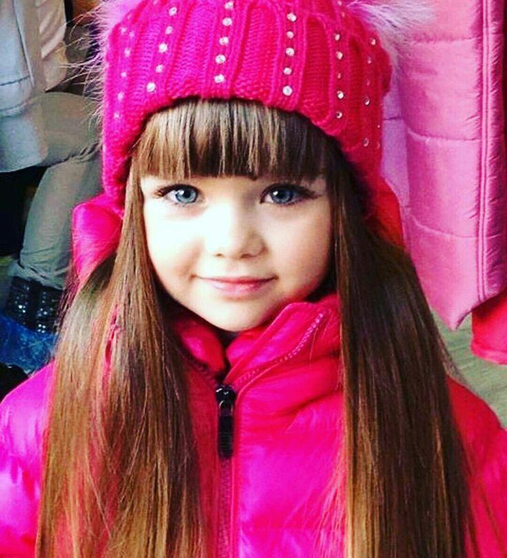 Resultado de imagen para Esta niña de tan solo 5 años de edad, es galardonada entre las mas hermosas del mundo!