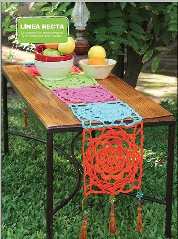 Camino de mesa Flor- Deco Crochet                                                                                                                                                                                 Más