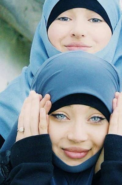 Look at these beautiful eyes!!! oh my Allah protect her from al ayn