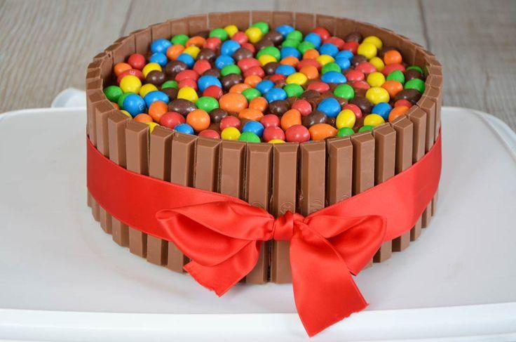 La recette ultime du gateau pour les enfants : Le gâteau Kit Kat Birthday Party…