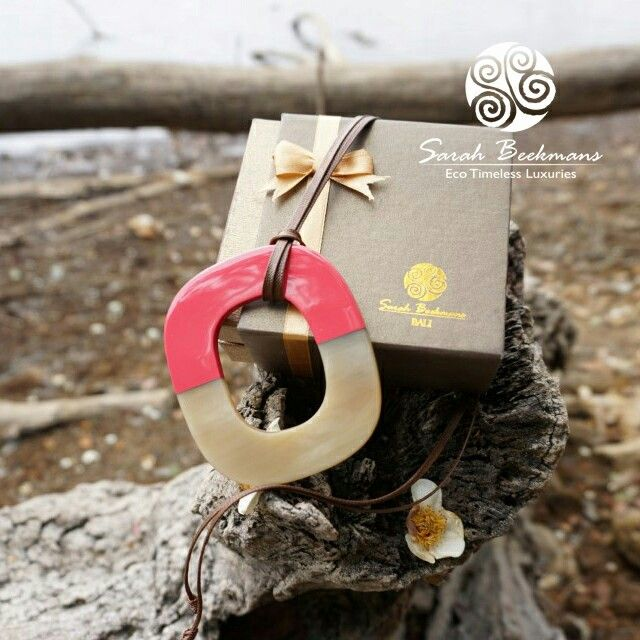 Horn pendant by Sarah Beekmans