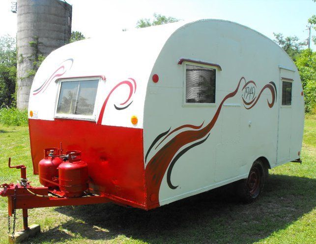 1949 TROTWOOD, nice paint job with swirls