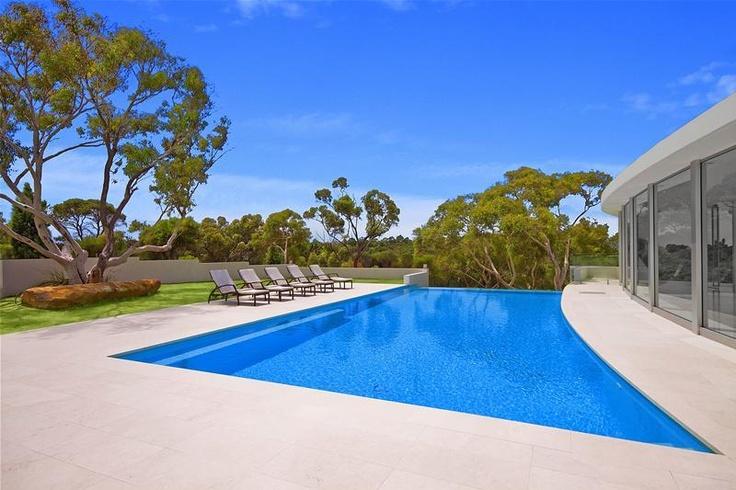 Elanora House: pool.