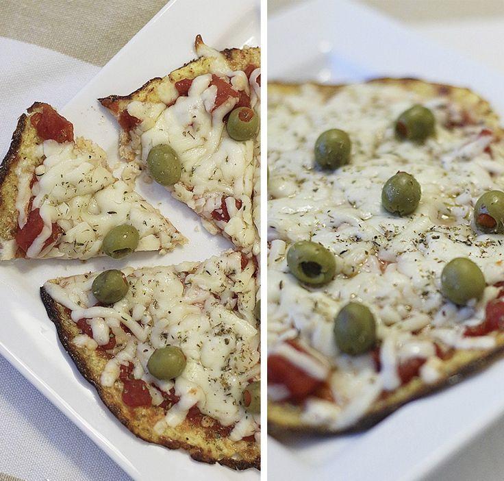 pizza couve-flor   Ingredientes: 1 xícara de couve-flor 1 xícara de queijo mozzarella ralado 1 ovo batido 1 colher (chá) de orégano 1/2 colher (chá) de alho amassado Sal Molho de pizza, queijo e sua escolha de coberturas