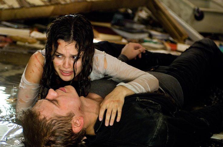 Still of Hayden Christensen and Rachel Bilson in Jumper (2008) http://www.movpins.com/dHQwNDg5MDk5/jumper-(2008)/still-1269489408