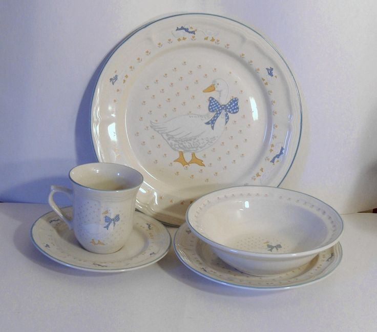 Country Geese Dish Set This is a