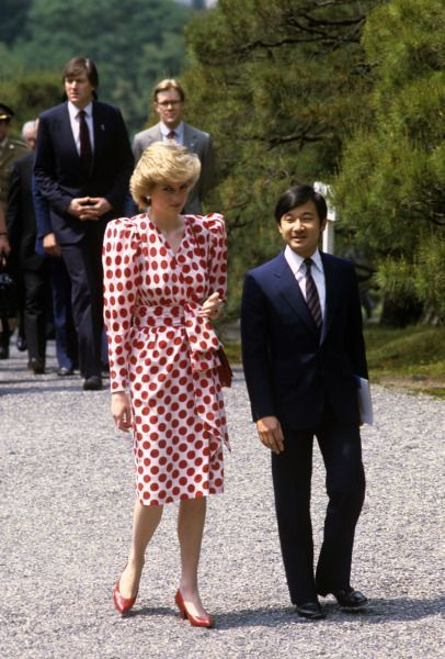 Princess Diana and Her Family   1986-05-09 Diana with Prince Hiro at the 17th century Shugaku-in ...