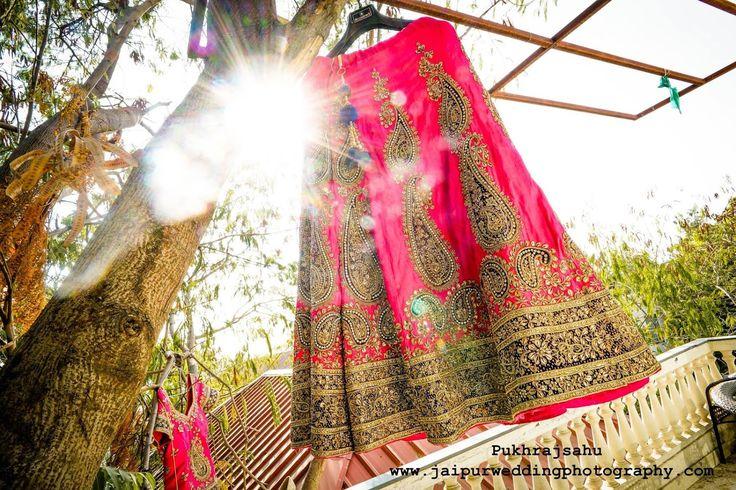Focus on detals! Pukhraj Sahu, Jaipur  #weddingnet #wedding #india #jaipurwedding #indian #indianwedding #weddingphotographer #candidphotographer #weddingdresses #mehendi #ceremony #realwedding #lehenga #lehengacholi #choli #lehengawedding #lehengasaree #saree #bridalsaree #weddingsaree #indianweddingoutfits #outfits #backdrops  #bridesmaids #prewedding #photoshoot #photoset #details #sweet #cute #gorgeous #fabulous #jewels #rings #tikka #earrings #sets #lehnga #love #inspiration